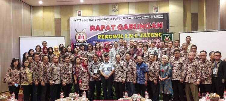 """Rapat Gabungan Pengurus Wilayah Ikatan Notaris Indonesia (INI) Jawa Tengah dengan tema """"Dengan Rapat Gabungan Kita Tingkatkan Integritas dan Loyalitas Terhadap INI"""""""